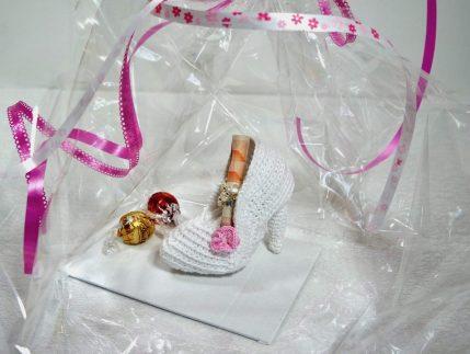 Geschenk Brautschuh Häkelanleitung Amigurumi