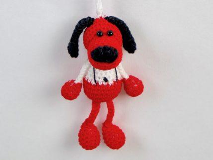 Roter Hund als Schlüsselanhänger, Häkelanleitung