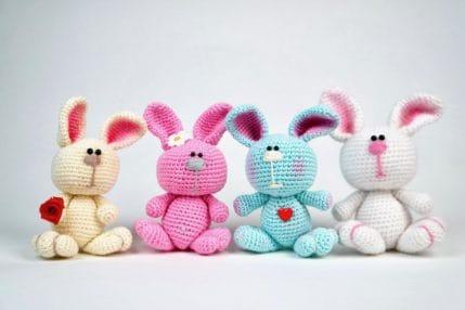4 Hasen in verschiedenen Farben, Häkelanleitung