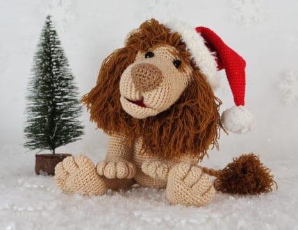 Kein Weihnachten ohne Löwe Rudi. Häkelanleitung