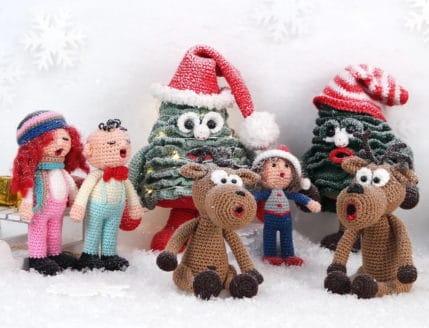 Elche, Weihnachtssänger und Weihnachtsbäume im Schnee, Häkelanleitung