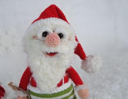 Weihnachtsmann Werner freut sich auf die Weihnachtszeit, Häkelanleitung