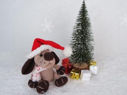 Warum nicht mal einen Weihnachtshund häkeln? Anleitung