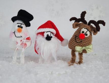 Elch, Schneemann und Weihnachtsmännlein - Das Dreigestirn zu Weihnachten. Klein, fein und schnell gemacht. Häkelanleitung