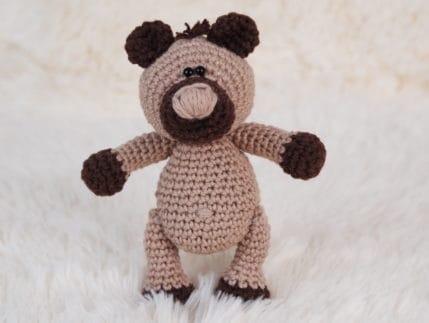 Mini Bär häkeln, als Schlüsselanhänger oder einfach so. Anleitung